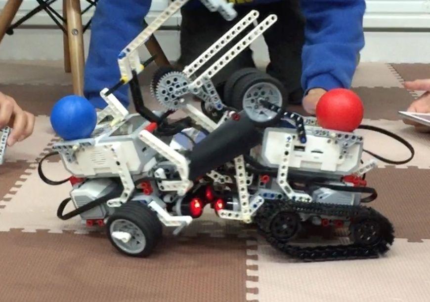 ロボット プログラミング教室も開催しています